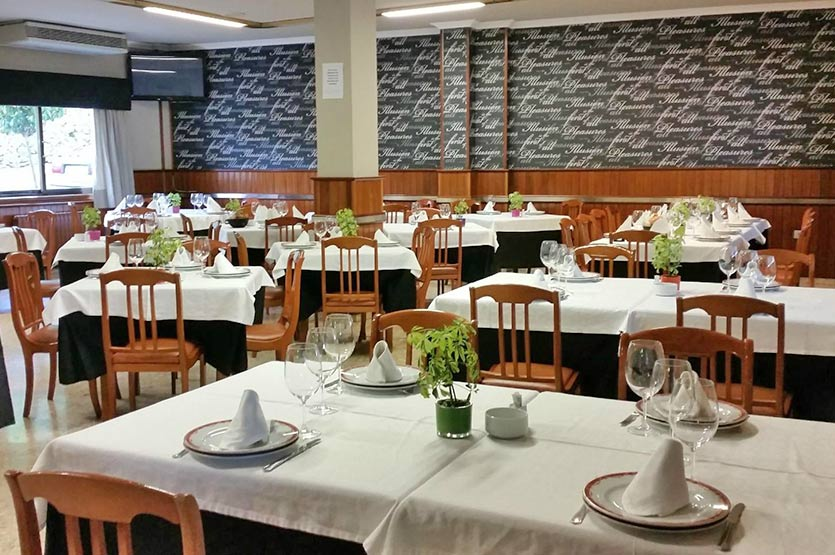 Salón a la carta del Restaurante Avenida. Para disfrutar del día a día, rodeado de un ambiente familiar.