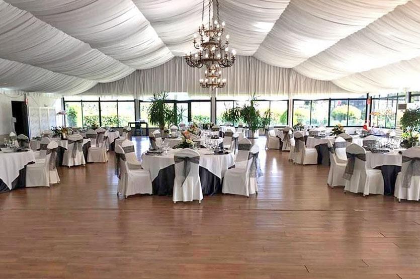 Salón de celebraciones del Restaurante Avenida en Arcade, Dotado con aire acondicionado e ideas para aquellas ceremonias como bodas, comuniones, comidas de empresa...